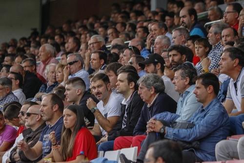 200 blanquinegros empujarán al equipo en León