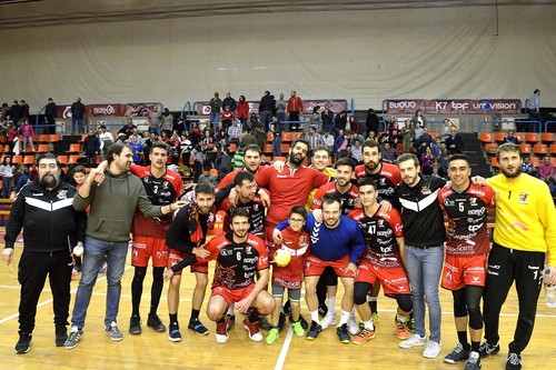 UBU San Pablo Burgos sube al tercer puesto tras la victoria contra Cafés Toscaf Atlética por 28 a 24.
