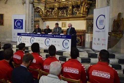 El Club Balonmano Burgos también difundirá el VIII Centenario de la Catedral