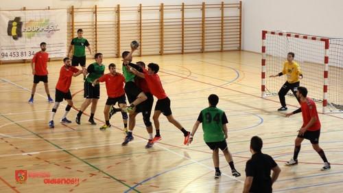 UBU San Pablo Burgos inicia la liga en la Robla (León)
