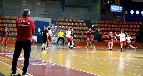 Trabajada victoria del UBU San Pablo Burgos contra el IMQ de Gijón por 31 a 25