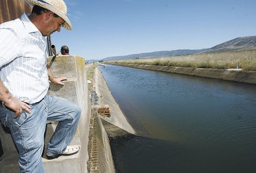 Una UTE será quien gestione la conducción de agua desde Torre de Abraham al Gasset