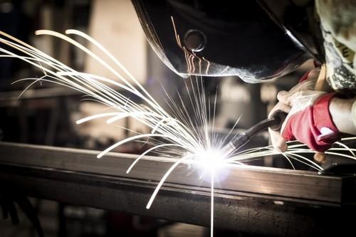 Cursos Gratuitos para trabajadores y autónomos en activos del sector industria del metal